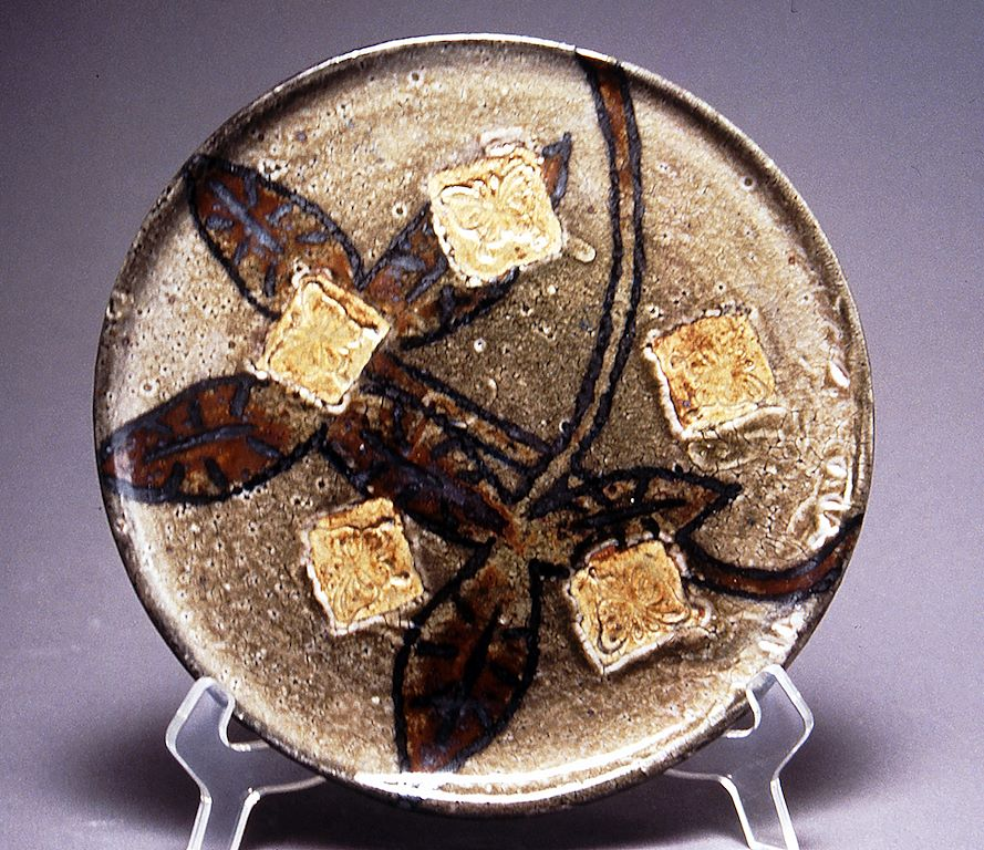 Ceramics: Functional - plate and glaze assignment