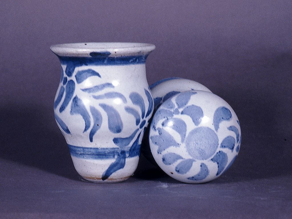 Intermediate Ceramics - Repetattive Forms and New Finishes project